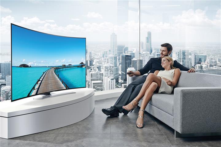 Samsung-HU9000-Series-LED-UHD-Curved-Screen-TV-Review-Model-UN65HU9000